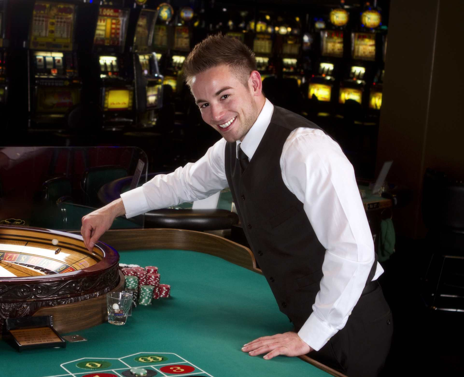 Some Interesting Facts of Online Casino That Made it a Popular Game