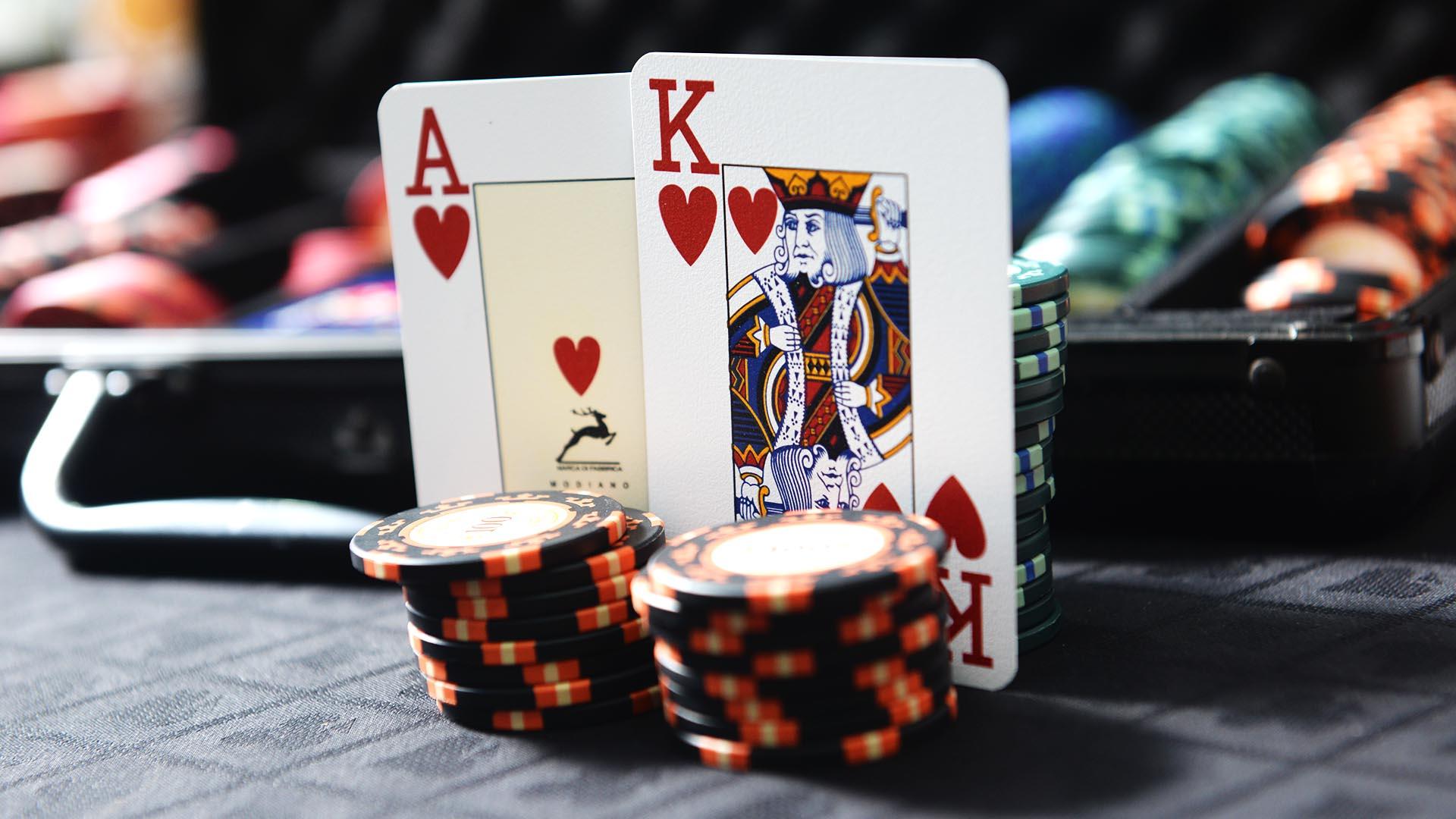 Profitable Poker Online Games