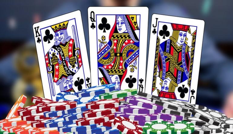 Play at Online Casinos To Win and Gain Real Cash