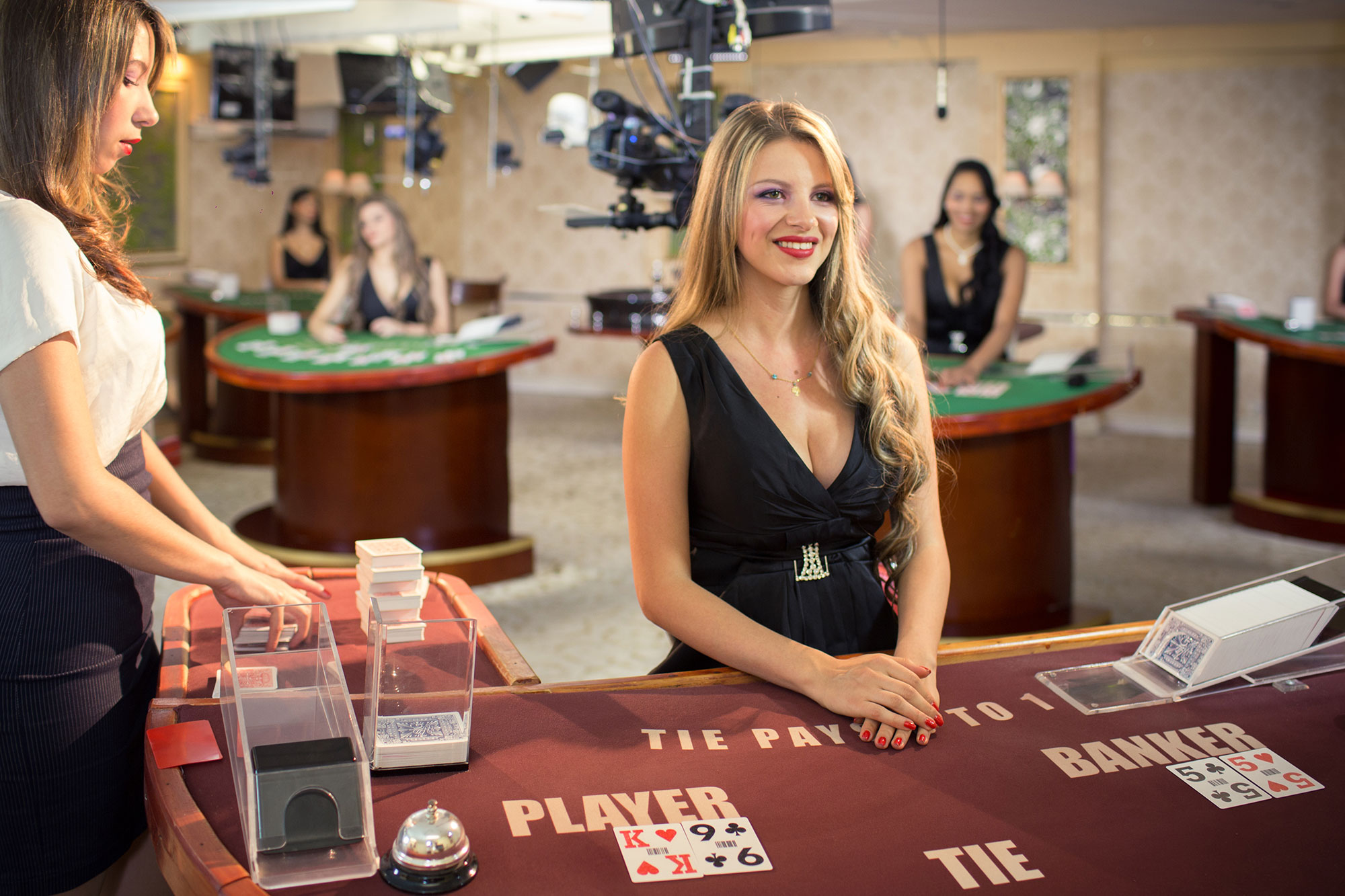 What are online casino free credit and its types?