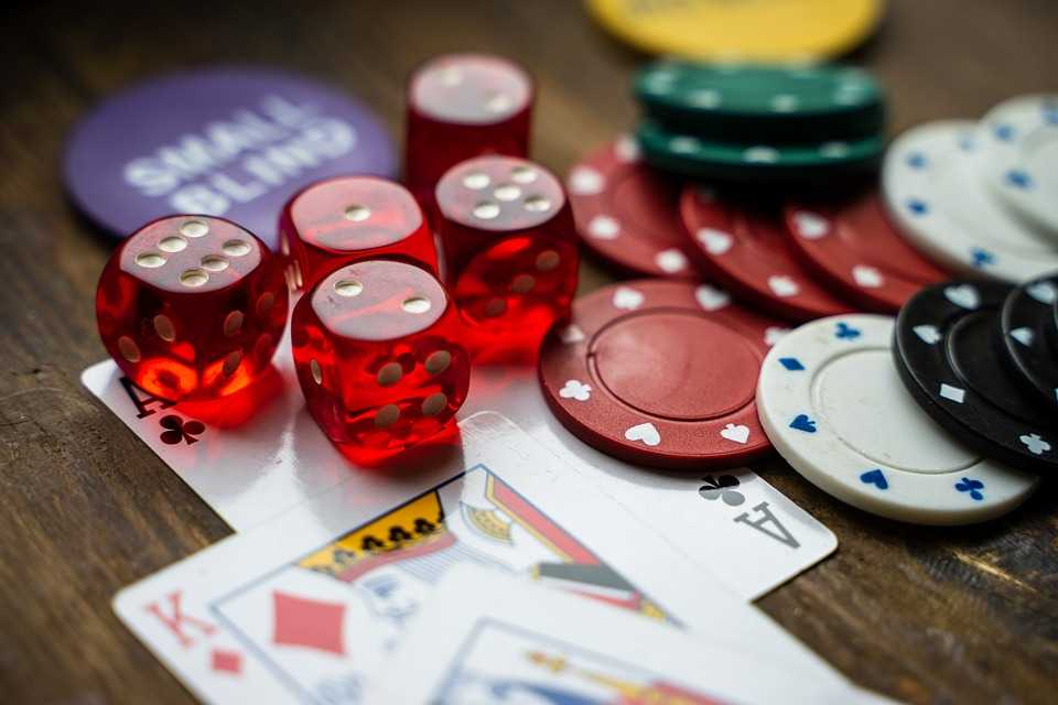 Learn about how online casino bonuses will help you